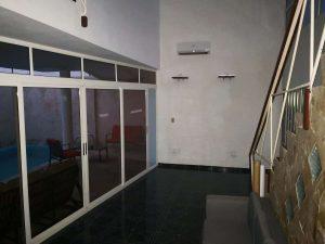 interior sucursal de cuba Accesorios & Perfiles Villa