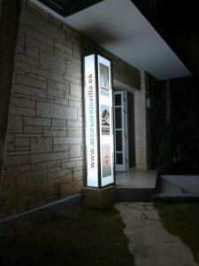 luminoso de la sucursal de cuba Accesorios & Perfiles Villa