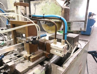 Máquina para cortar accesorios & perfiles Villa